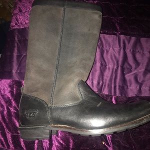 Warm winter UGGS! Sheep lined, like new size 9